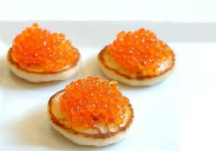 Blini with Sour Cream, Caviar and Vodka