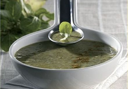 Lamb's Lettuce, Pear and Curry Soup