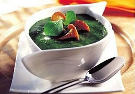 Cream of Lamb's Lettuce and Mushroom Soup
