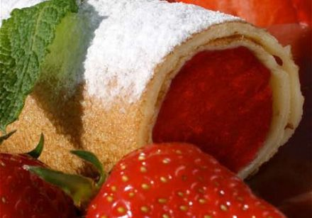 "Strawberry ""Spring Rolls"" with Mint"