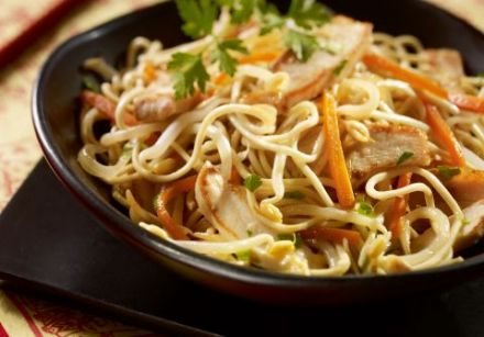 Noodle and Chicken Stir-Fry with Bean Sprouts