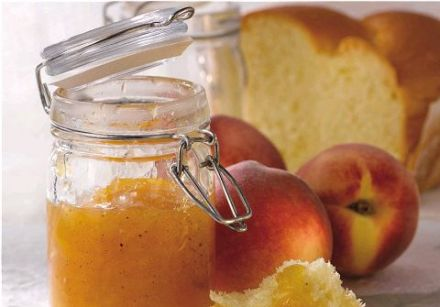 Peach Jam with Sweet Spices and Ginger