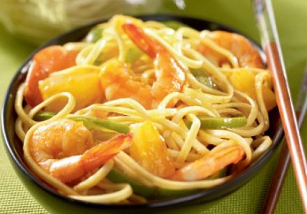 Stir-Fried Noodles with Shrimp and Sweet and Sour Sauce