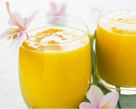 Mango and orange blossom smoothie