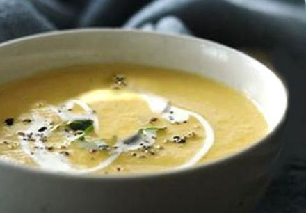 Swede soup with parmesan crisps